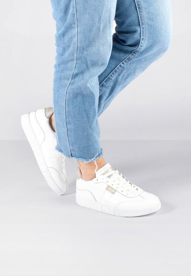 DINA - Sneakers basse - weiß
