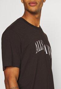 AllSaints - DROPOUT CREW - Print T-shirt - oxblood red - 5