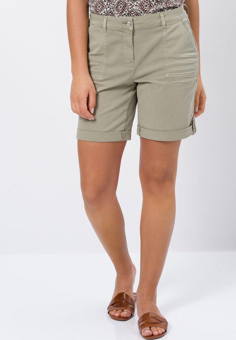 zero - Denim shorts - sage