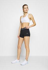 Nike Performance - SHORT - Tights - black/white - 1