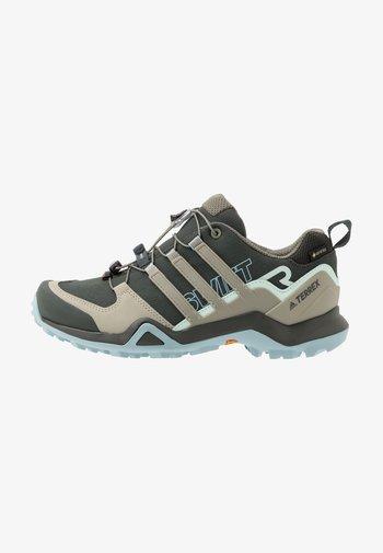 TERREX SWIFT R2 GORE-TEX - Hiking shoes - legend earth/fear grey/ash grey