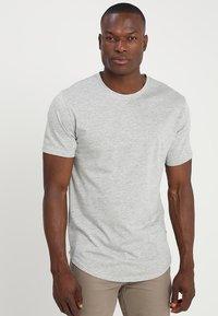 Only & Sons - ONSMATT LONGY 7 PACK - T-shirts - white/black/light grey melange - 3