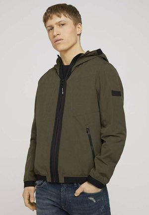 Light jacket - woodland green