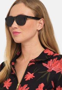Hawkers - ONE FUSION - Sunglasses - black - 0