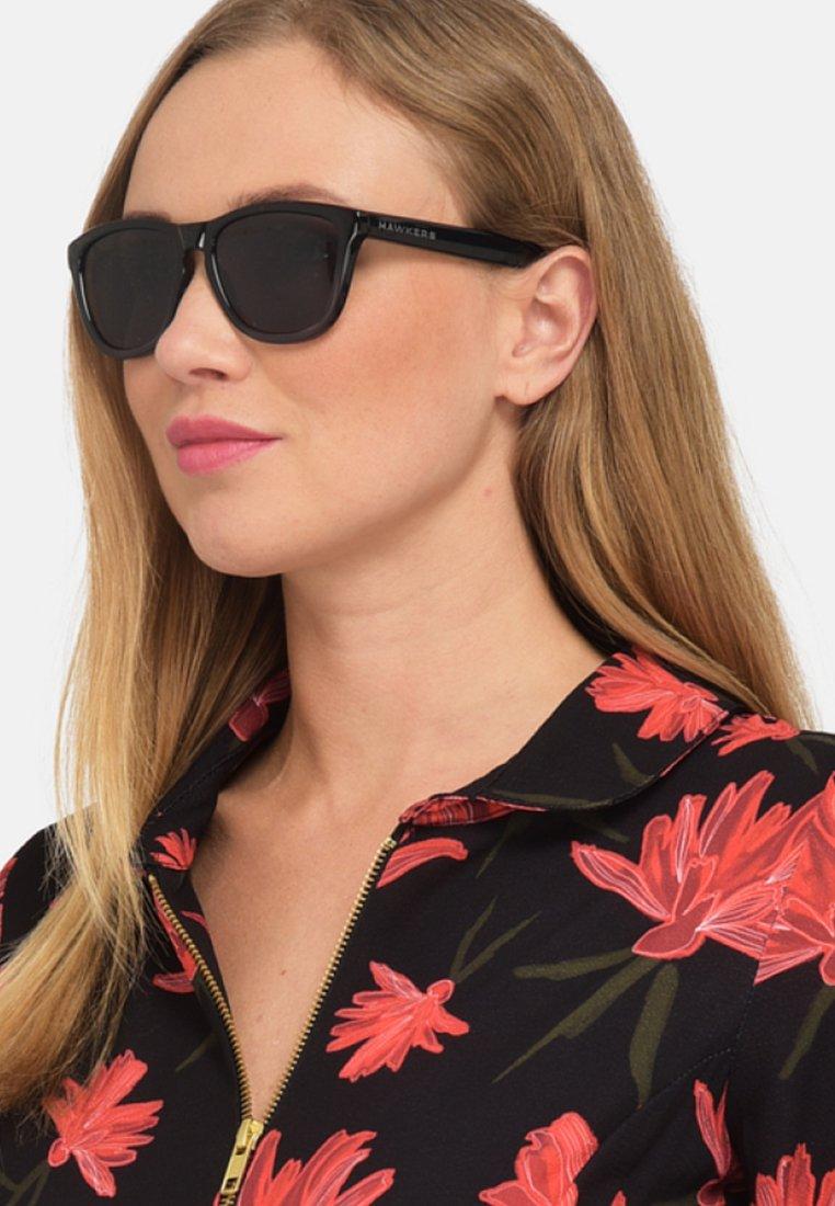 Hawkers - ONE FUSION - Sunglasses - black