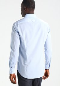 Tommy Hilfiger Tailored - FITTED - Camicia elegante - blue - 2