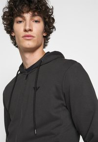 Emporio Armani - ZIPPED HOODIE  - Sweatjacke - dark grey - 5