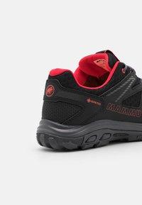 Mammut - GIRUN HIKE LOW GTX WOMEN - Hiking shoes - black/sunset - 5