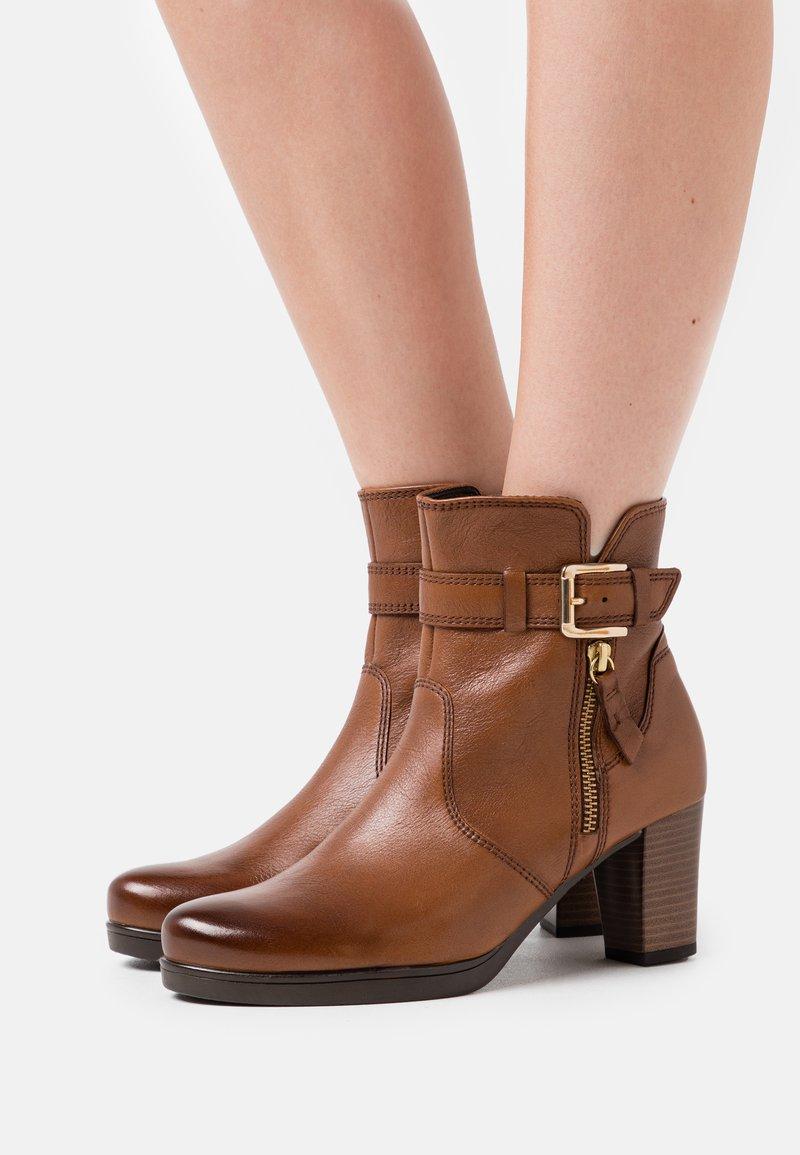 Gabor Comfort - Platform ankle boots - cognac
