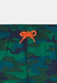 GAP - TODDLER BOY  - Swimming shorts - green - 2
