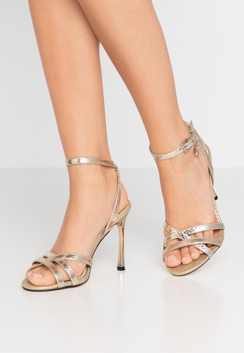 River Island Wide Fit - Højhælede sandaletter / Højhælede sandaler - gold