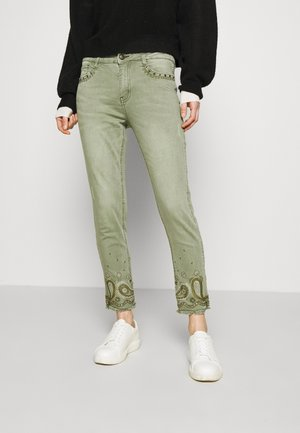 PANT ANKLE PAISLE - Jeansy Skinny Fit - green