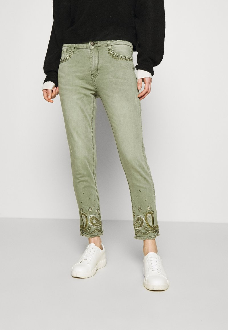 Desigual - PANT ANKLE PAISLE - Jeans Skinny Fit - green