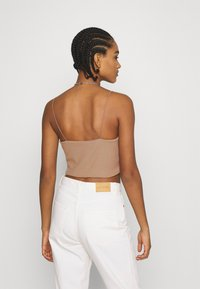 Weekday - MITZI SINGLET - Top - brown