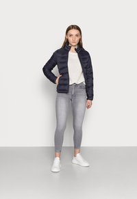 ONLY Petite - ONLSANDIE QUILTED JACKET - Light jacket - night sky - 1