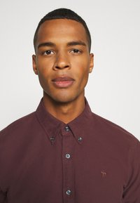 Abercrombie & Fitch - SIGNATURE SOLID OXFORD - Shirt - burg - 3