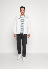 Lacoste - Summer jacket - flour - 1