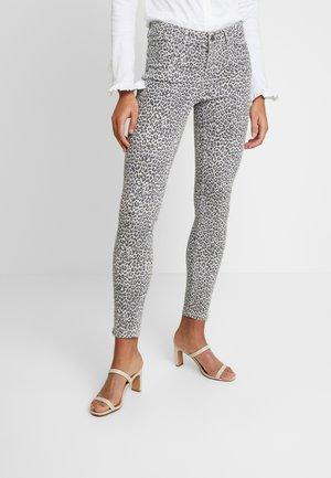 VICTORIA LEOPARD  - Jeans Skinny Fit - blue