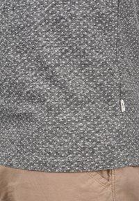 Solid - Basic T-shirt - dark grey melange - 5