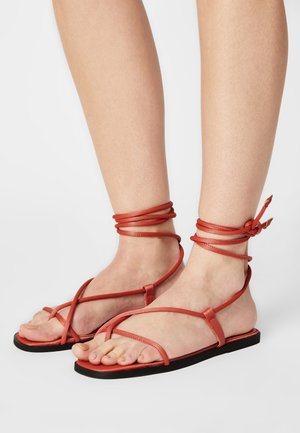 VMFLOW - T-bar sandals - spiced coral