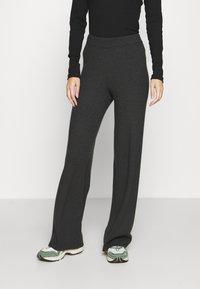 Vero Moda - VMNICHOLA TROUSERS - Trousers - dark grey melange - 0
