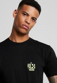 Vans - GREEN LIGHTED - T-Shirt print - black - 4