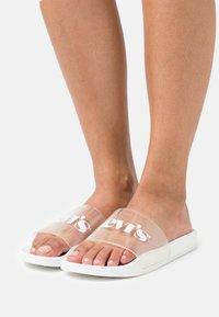 Levi's® - JUNE MONO  - Sandalias planas - regular white - 0