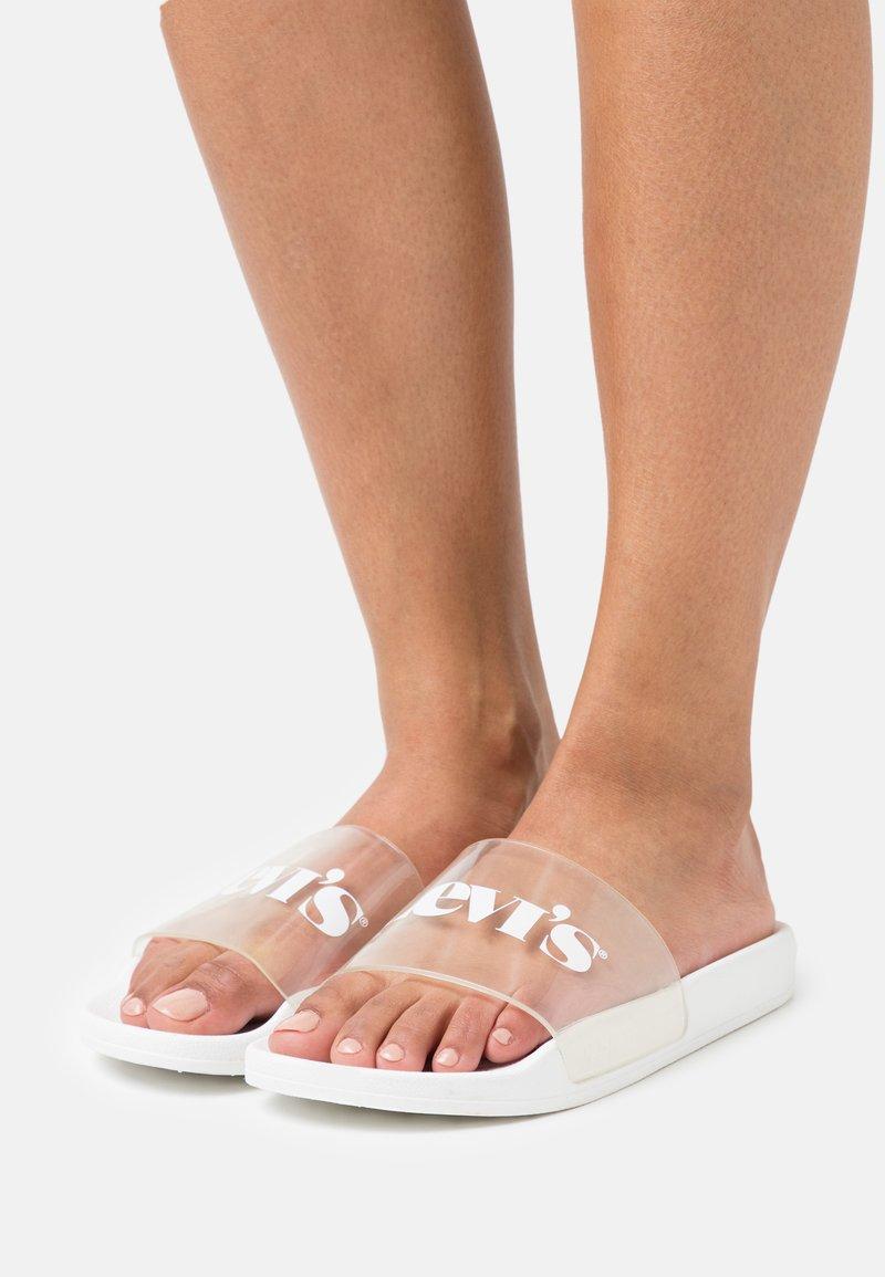 Levi's® - JUNE MONO  - Sandalias planas - regular white