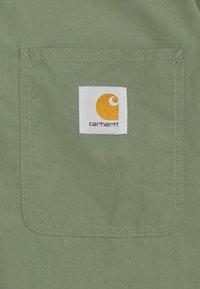 Carhartt WIP - CREEK - Camisa - dollar green - 2