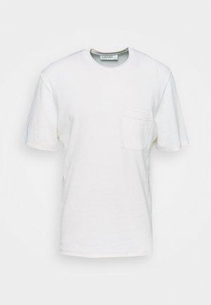 RYE LANE POCKET TEE - Basic T-shirt - enamel