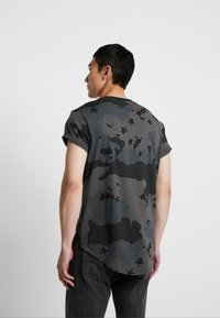 G-Star - SWANDO RELAXED RT S/S - Print T-shirt - black - 2