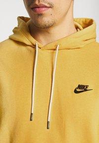 Nike Sportswear - HOODIE - Hættetrøjer - solar flare/smoke grey - 4