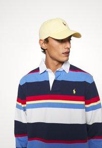 Polo Ralph Lauren - CLASSIC SPORT UNISEX - Lippalakki - empire yellow - 0