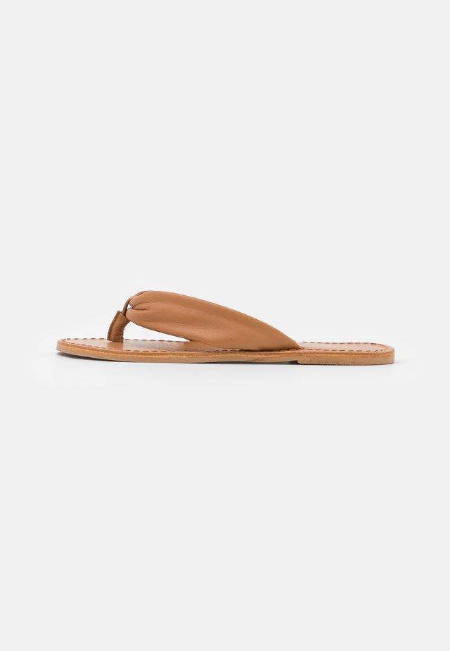 YASSALLI FLAT  - T-bar sandals - camel