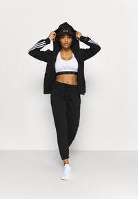 Cotton On Body - LIFESTYLE GYM TRACK PANTS - Pantalones deportivos - black - 1