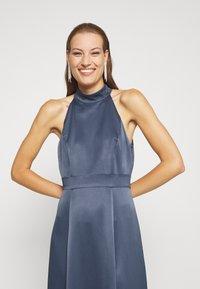 IVY & OAK - LONG NECKHOLDER DRESS - Suknia balowa - graphit blue - 3