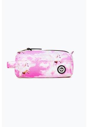 UNICORN SKIES - Pencil case - pink