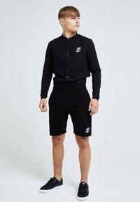 Illusive London Juniors - ILLUSIVE LONDON CORE GRANDAD - Shirt - black - 0