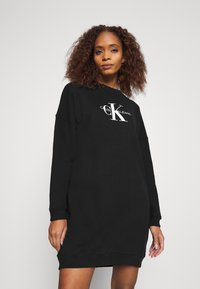 Calvin Klein Jeans - MONOGRAM CREWNECK DRESS - Sukienka letnia - black - 0