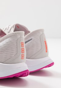 Nike Performance - ZOOM PEGASUS TURBO 2 - Neutral running shoes - vast grey/smoke grey/white/fire pink/team orange/magic ember - 5