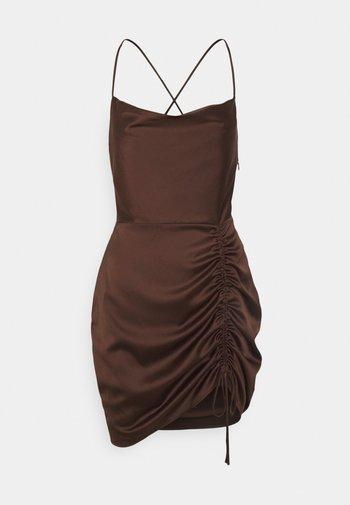 RUCHED DRESS - Vestito elegante - brown
