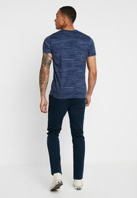 Hollister Co. - VEE - Print T-shirt - navy - 2