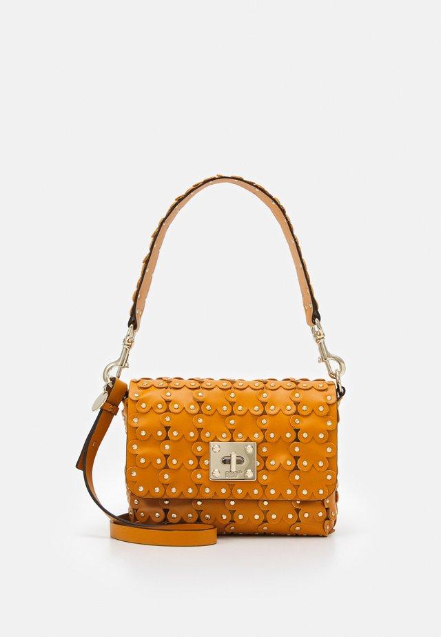 SHOULDER BAG - Handbag - luce