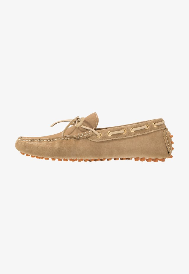 RALLY DRIVER - Moccasins - stone