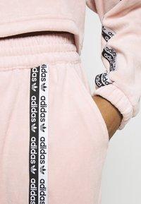 adidas Originals - CUFFED PANTS - Spodnie treningowe - pink spirit - 5