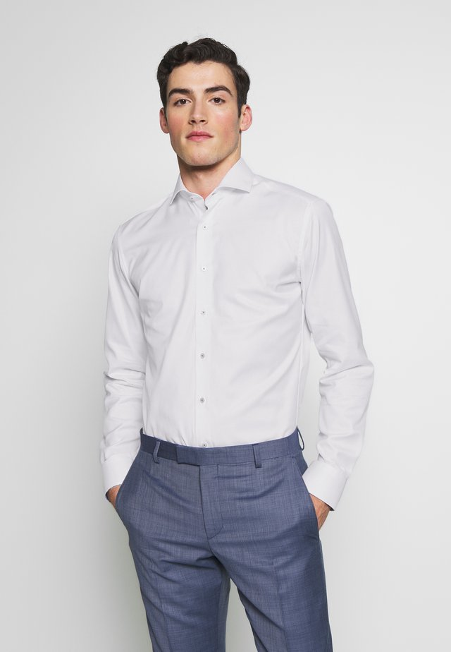 HAI-KRAGEN SLIM FIT - Camisa elegante - white