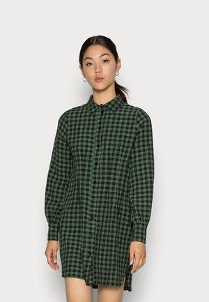 EBERTA CINCHED WAIST DRESS - Day dress - green gingham