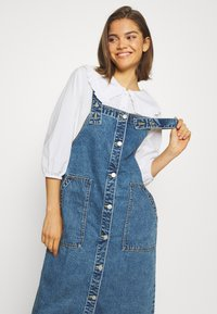 Monki - MARIA DRESS - Denim dress - blue medium dusty blue - 3