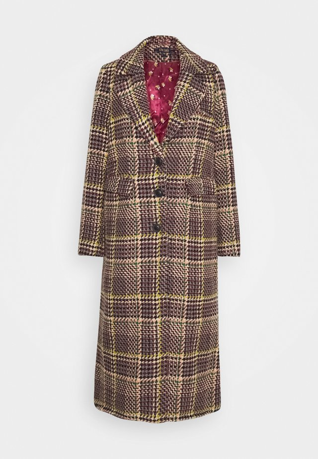 MCKENNA COAT BRAZZA - Villakangastakki - beet red