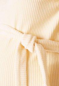 MAMALICIOUS - MLETTA SHORT DRESS - Vestido ligero - parchment - 2